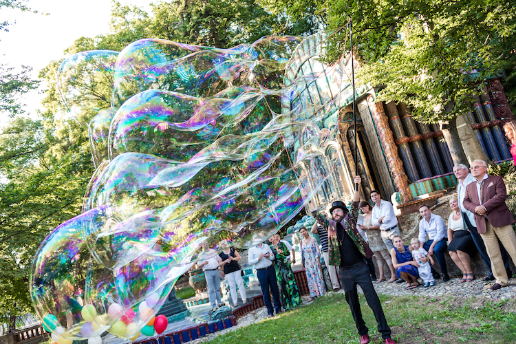 Riesenseifenblasen Outdoor Bubbleshow Fuchs Villa
