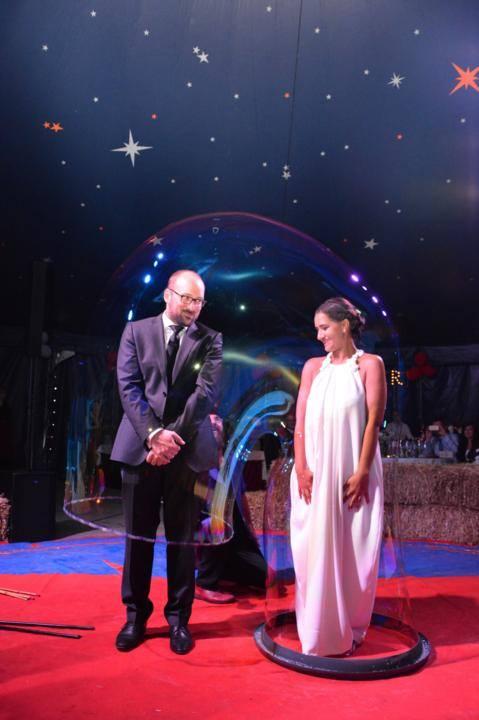 Seifenblasen Hochzeit, Bubble wedding, Riesenseifenblasen Hochzeit, Bühnenshow